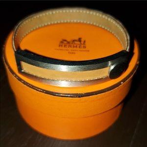 Hermes Pusu Pusu leather bracelet